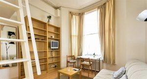 Student living in West Brompton