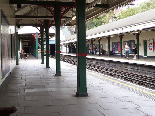 west-kensington-tube-station
