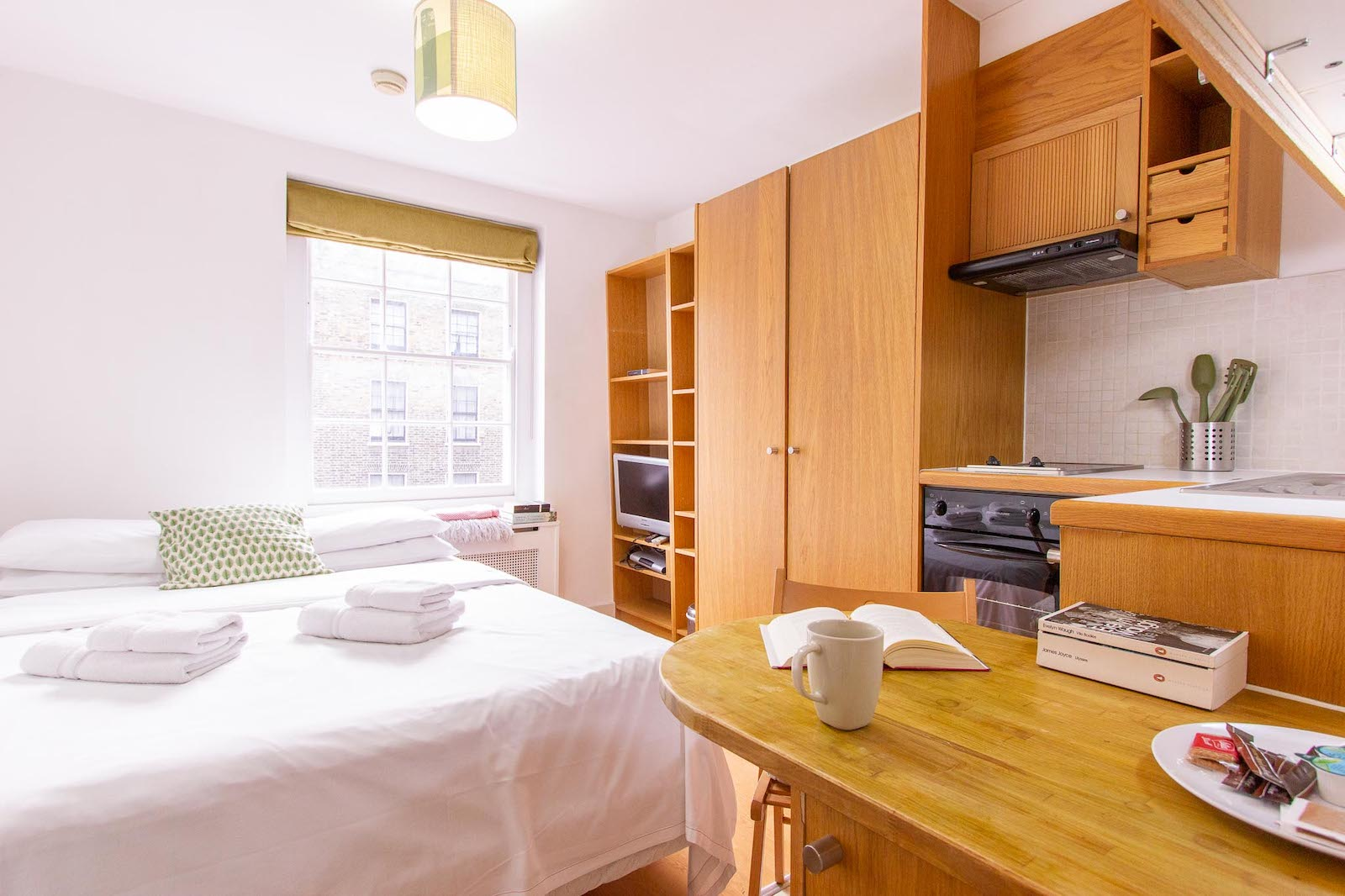 Is it better to rent a furnished or unfurnished flat? - The pros and cons of renting a furnished flat in London