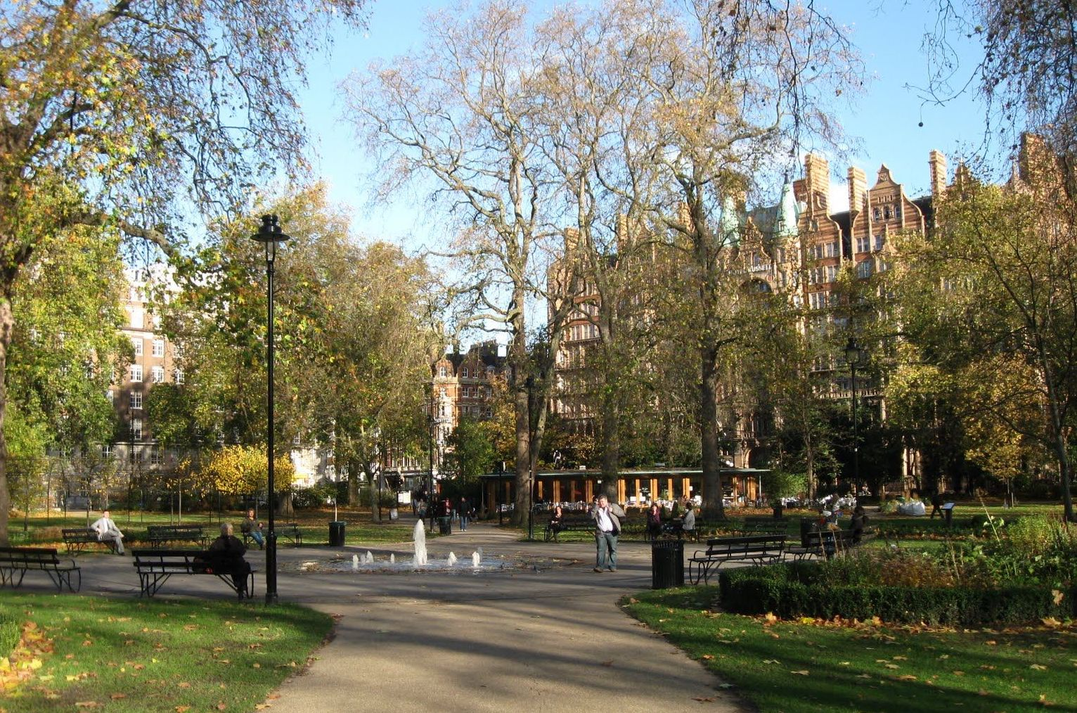 Things to do in Bloomsbury - Outdoor Space - Russell Square